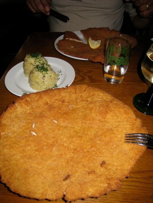 Wiener Schnitzel (Cotoletta alla viennese): a